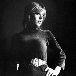 Marianne Decca Promo ret 300 web