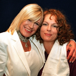 Marianne Faithfull and Jennifer Saunders in Absolutely Fabulous 2001