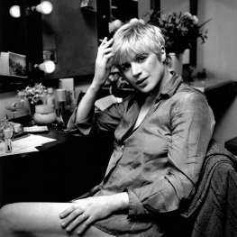 Marianne Faithfull backstage in 1974