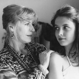 Marianne Faithfull in Moondance with Julia Brendler