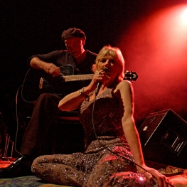 Marianne Faithfull at Olympia with Barry Reynolds 2002